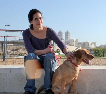 מאלפת-כלבים-ברחובות