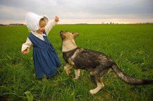 חיבור מרגש בין כלבה לילד